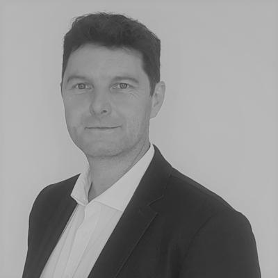 Ludovic R.